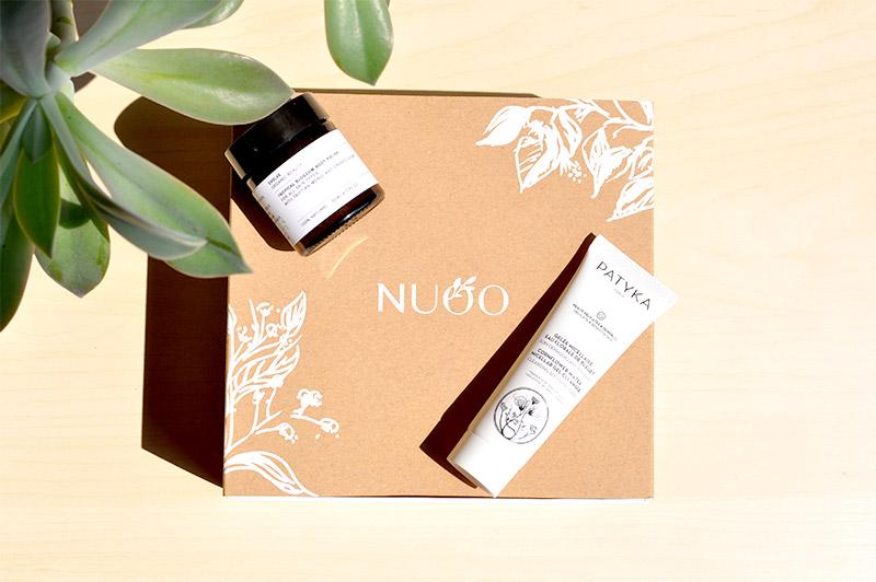 La NUOO Box de Juillet, une invitation à voyager. De Londres à Tahiti en passant par les campagnes françaises. Une box de beauté naturelle, bio et Vegan incontournable