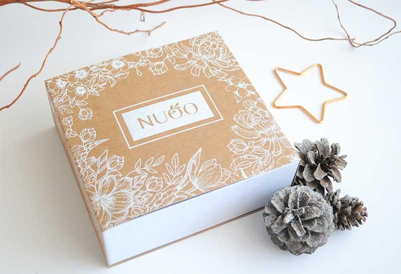 Offrez la beauté au naturel avec la Box beauté bio de NUOO. Elle est dans la liste des cadeaux Green de L''Atelier Green