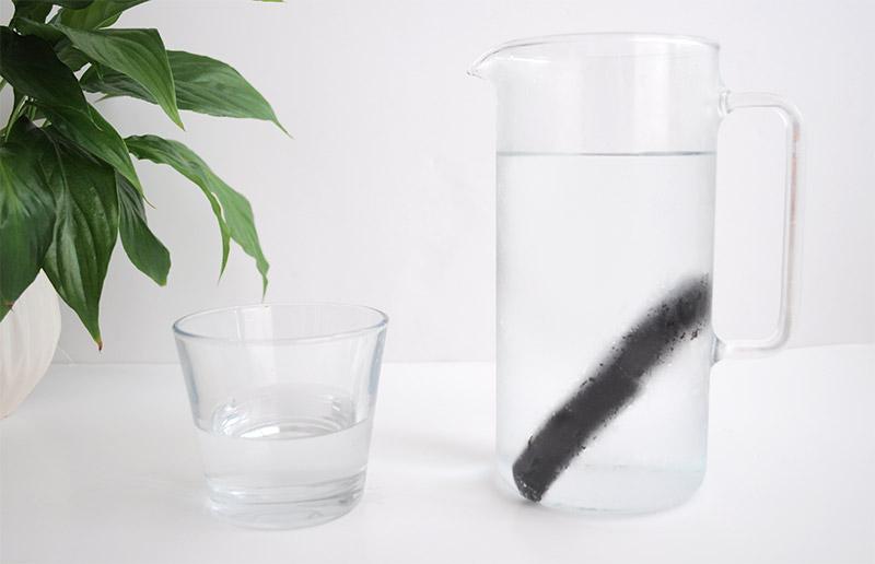 L'Atelier Green Venez découvrir comment en finir avec les pack d'eau minérale et purifiez votre eau naturellement avec le charbon actif
