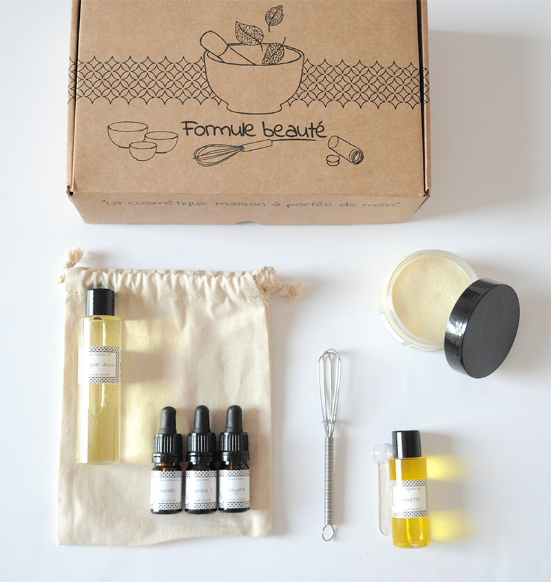 Découvrez les recettes cosmétiques du grimoire de formule beauté pour confectionner votre trousseau de beauté sur mesure, à votre image et selon vos envies.
