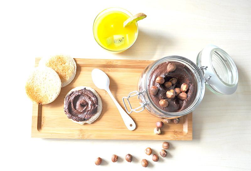 Comment bannir le Nutella de ses placards? Avec la super recette recette de Marie et sa pâte à tartiner vegan au chocolat !