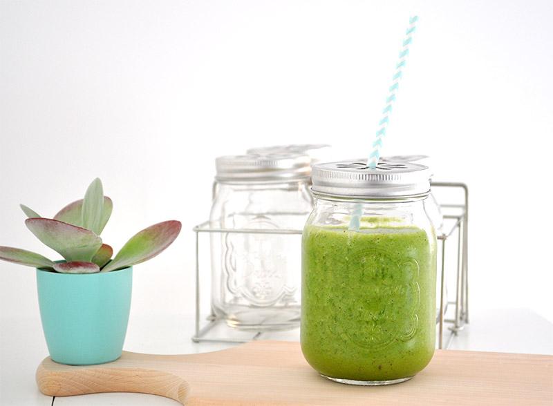 Comment cuisiner healthy? Et bien, en commençant sa journée avec un super Green Smoothie !