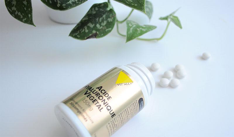 VITALL : Acide hyaluronique végétal participe à la bonne hydratation de la peau. Il préserve l'éclat de la peau et améliore la cicatrisation.