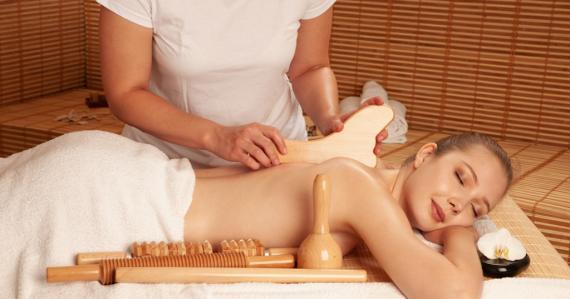 La Madérothérapie est une technique de massage traditionnel anti-cellulite, remodelant et drainant dont les bienfaits sont reconnus depuis des millénaires