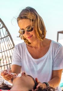 Nathalie votre facialiste sur la Côte d'Azur